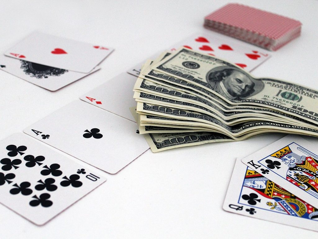 Capsa Online Gambling
